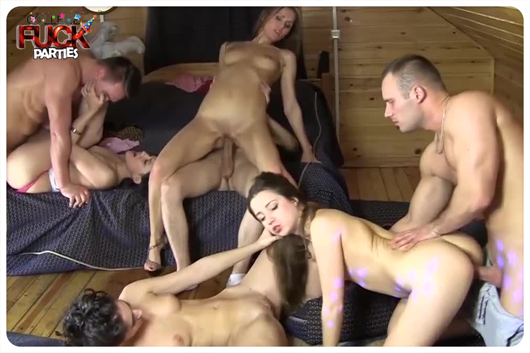 Cheap porn site with amateur chicks.