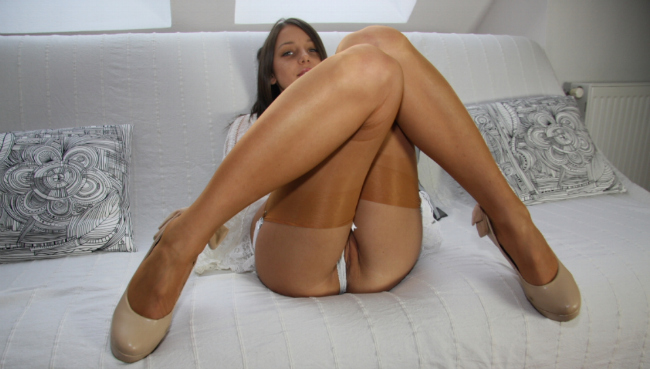Popular porn site with foot fetish content.